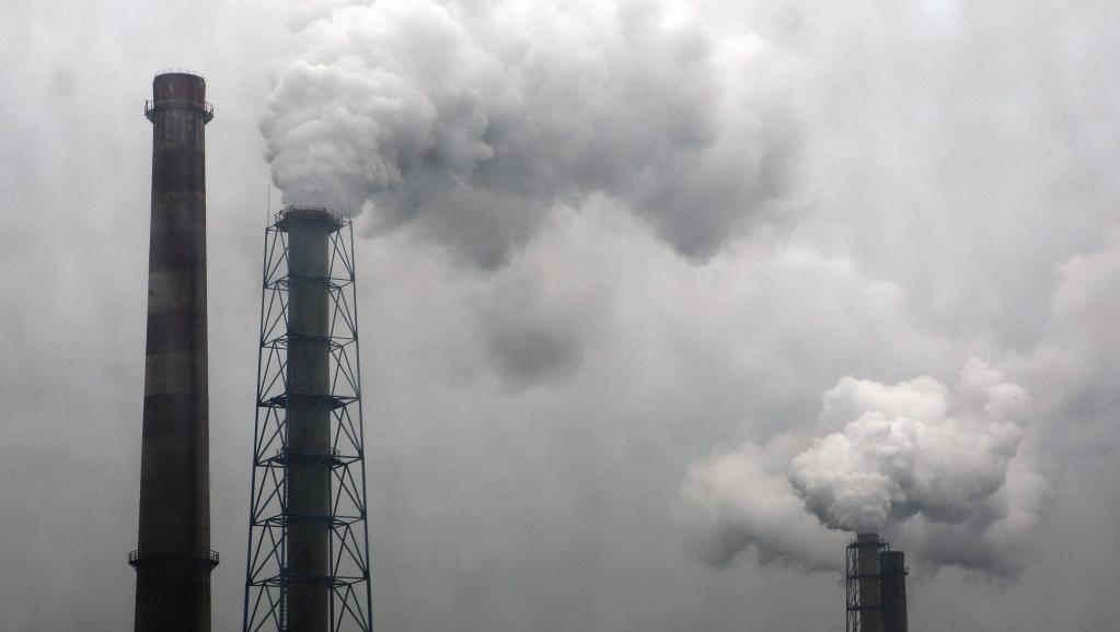 Hạn chế tiếp xúc với không khí ô nhiễm để bảo vệ sức khỏe của chính bạn