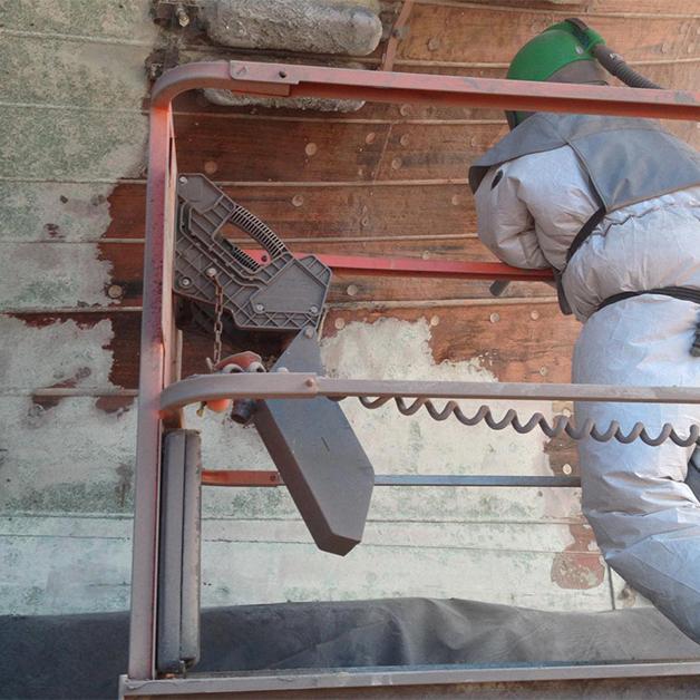 Phun bi thép làm sạch các gỉ sét cho tàu thép
