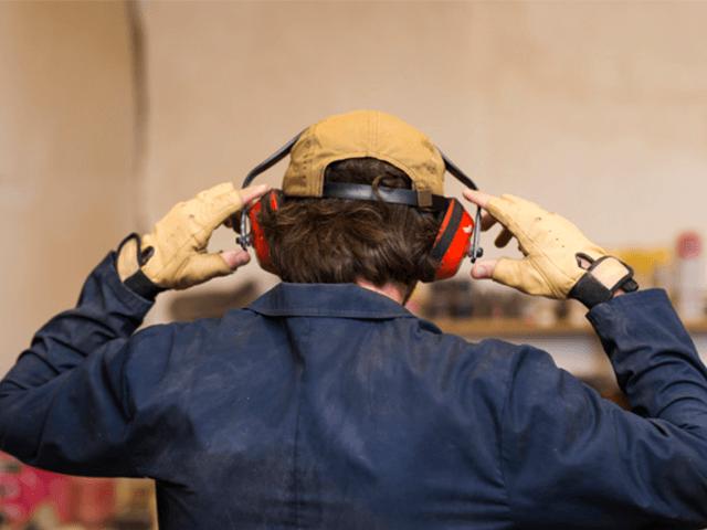 Tiếng ồn nơi làm ảnh hưởng đến chúng ta