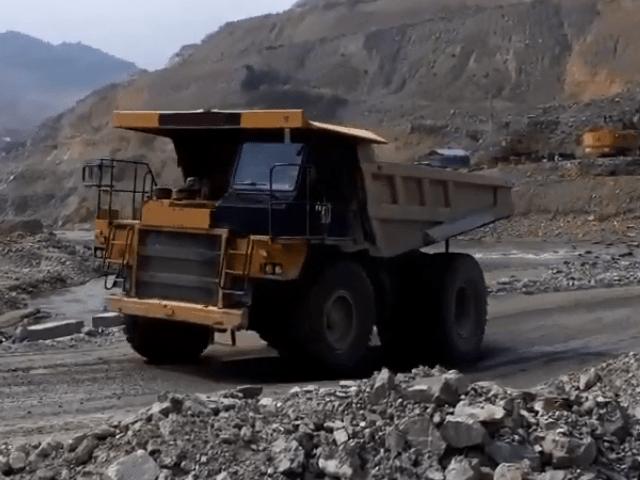Xe tải khai thác mỏ và khoáng sản