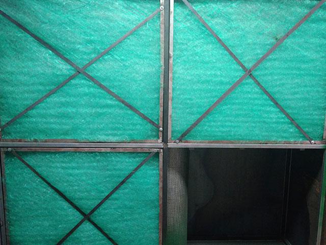 Tấm lọc bụi không xếp ly - Ứng dụng trong xử lý bụi sơn công nghiệp