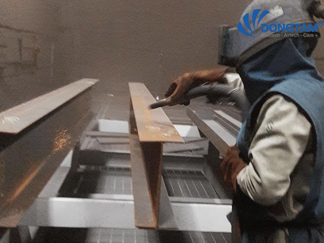 cát sắt xử lý bề mặt gỉ sét kim loại