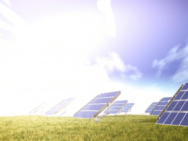 Cần làm sạch các tấm pin năng lượng mặt trời